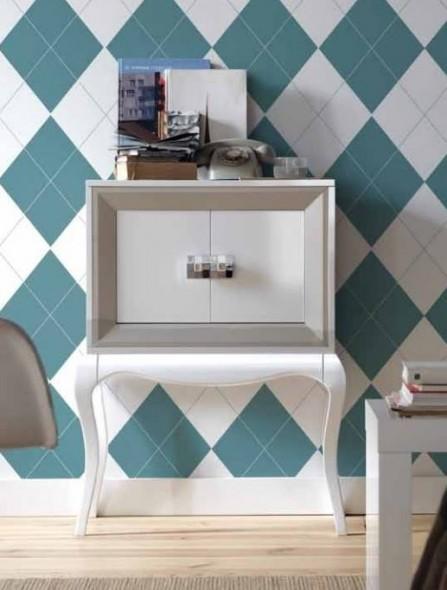 mueble-auxiliar-pata-chipendal-blanco-moldura-plata