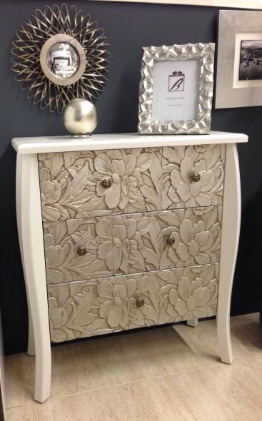 mueble-auxiliar-tallado-blanco-plata-envejecido